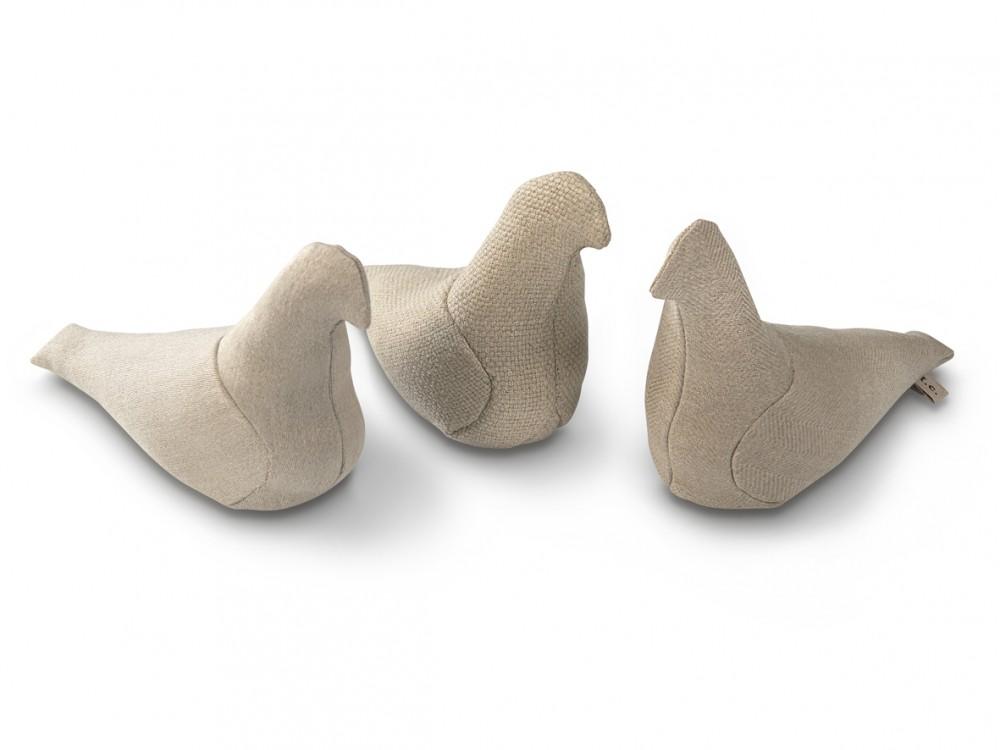 鸽子是在荷兰手工制作的,里面装满了亚麻籽,外部包裹各种天然比利时